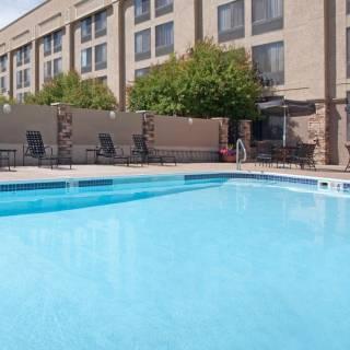 Holiday Inn Express & Suites Denver - Aurora Medical Campus
